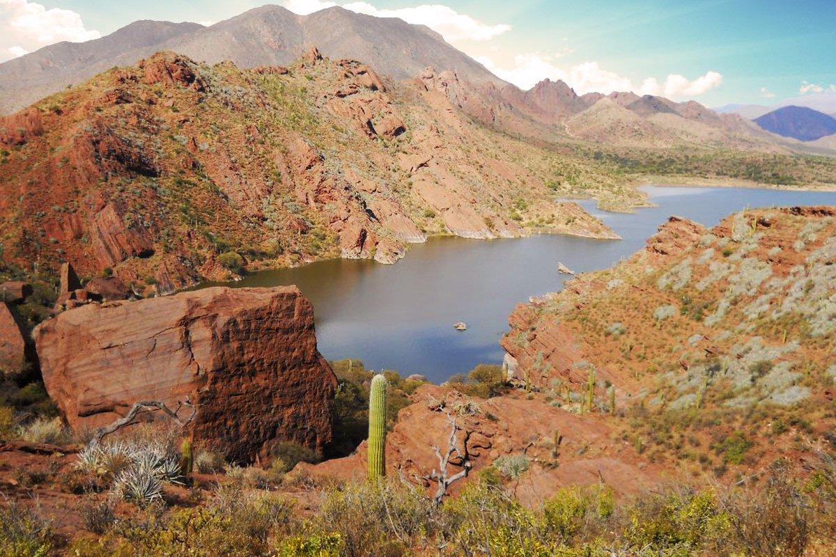 Laguna de brealito vallées calchaquíes salta voyage argentine