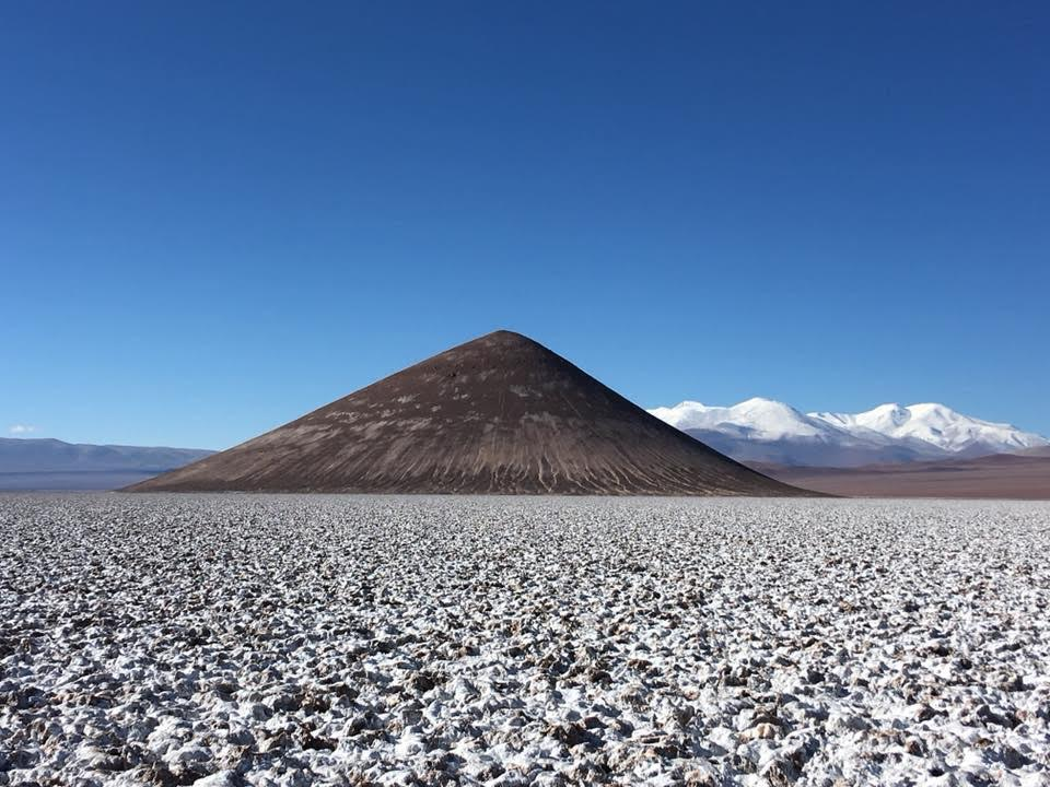 Salar de arizaro cono de arita tolar grande puna salta argentine